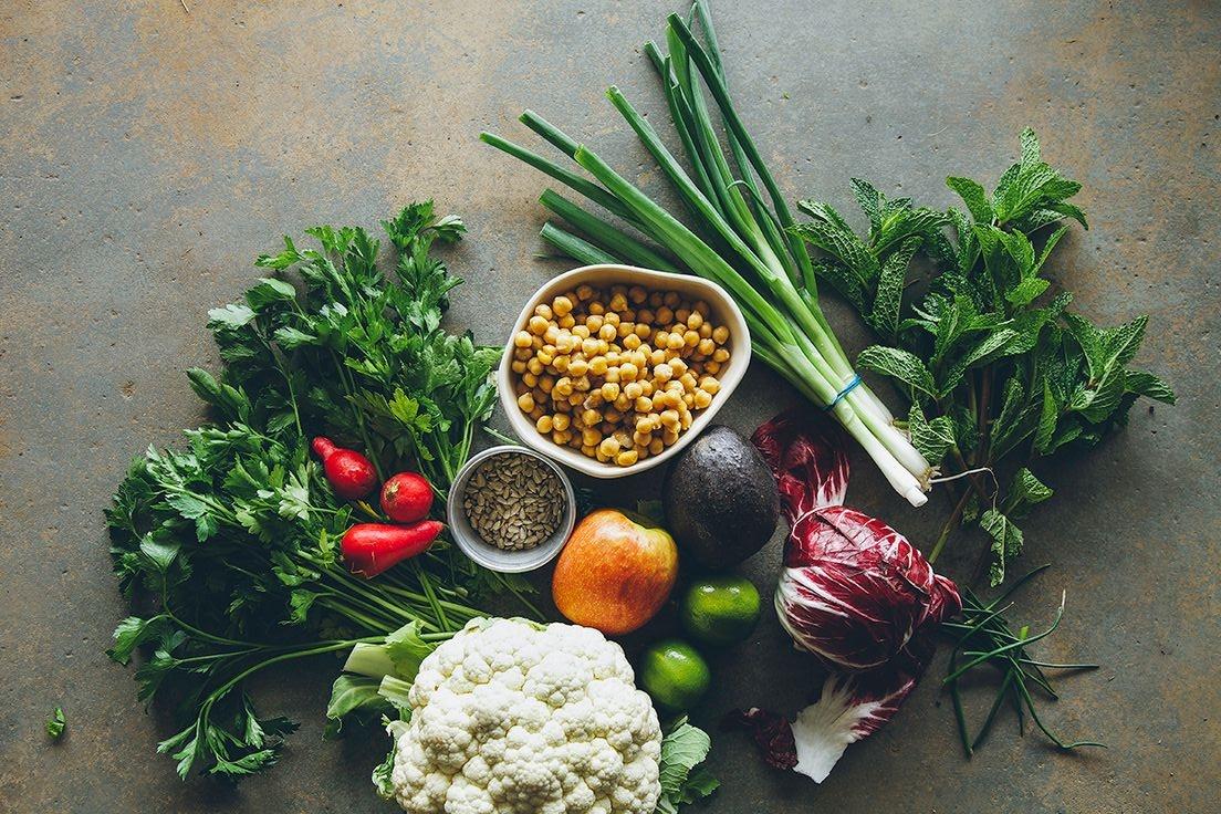 美肌になれる食べ物って!?毛穴や美白、アトピーに効果的なブログで話題の美肌食を紹介します!